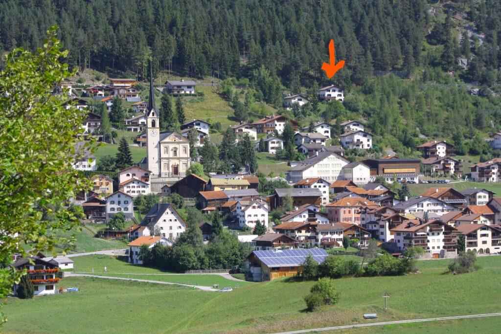 Alvaneu-Dorf mit Chalet-Conzen