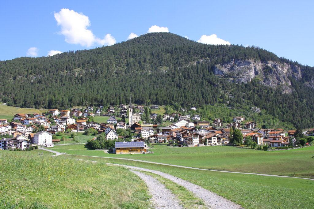 Alvaneu-Dorf sonnige Hochterrasse mit Chalet-Conzen