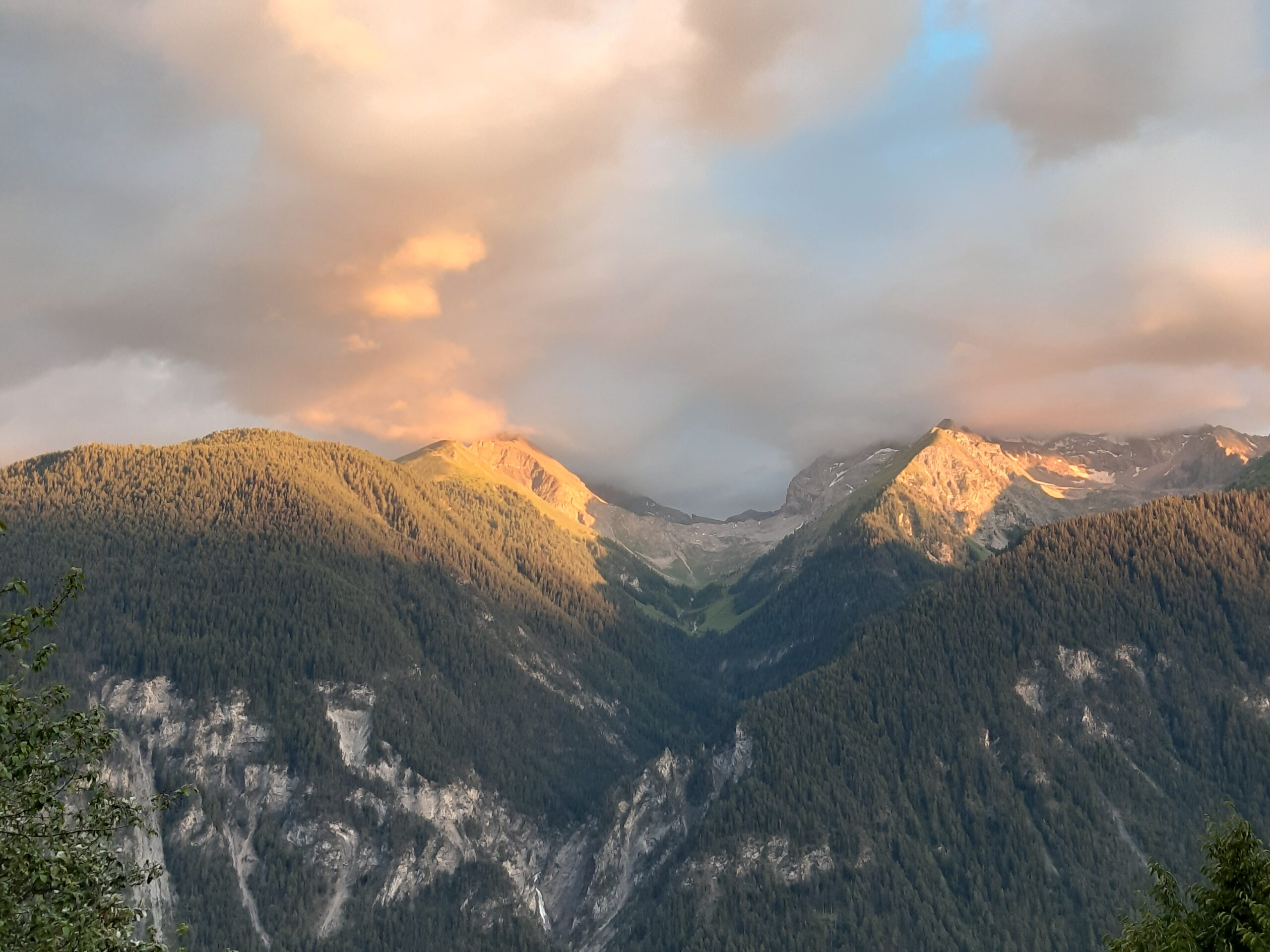 Alvaneu Panorama bei Sonnenuntergang